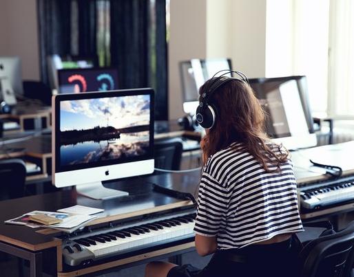 Mediendesign bachelor studium srh hochschule der popul ren for Mediendesign fernstudium